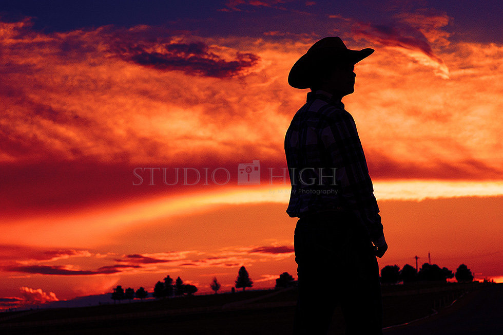 boise idaho sunset and silhouette senior photographer